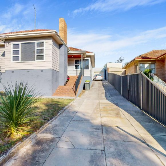 827 Laurie Street MOUNT PLEASANT VIC 3350