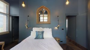 Sultry and Inviting  An Accommodation delight